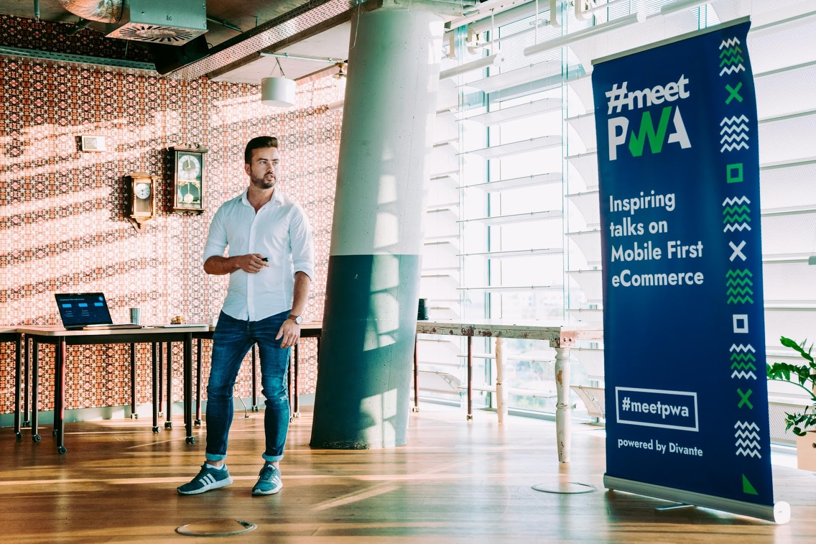 Dominic Klein, Technical Specialist at Shopware AG during #MeetPWA in Berlin. Events like this are a great occasion to build the community, share knowledge, and exchange views